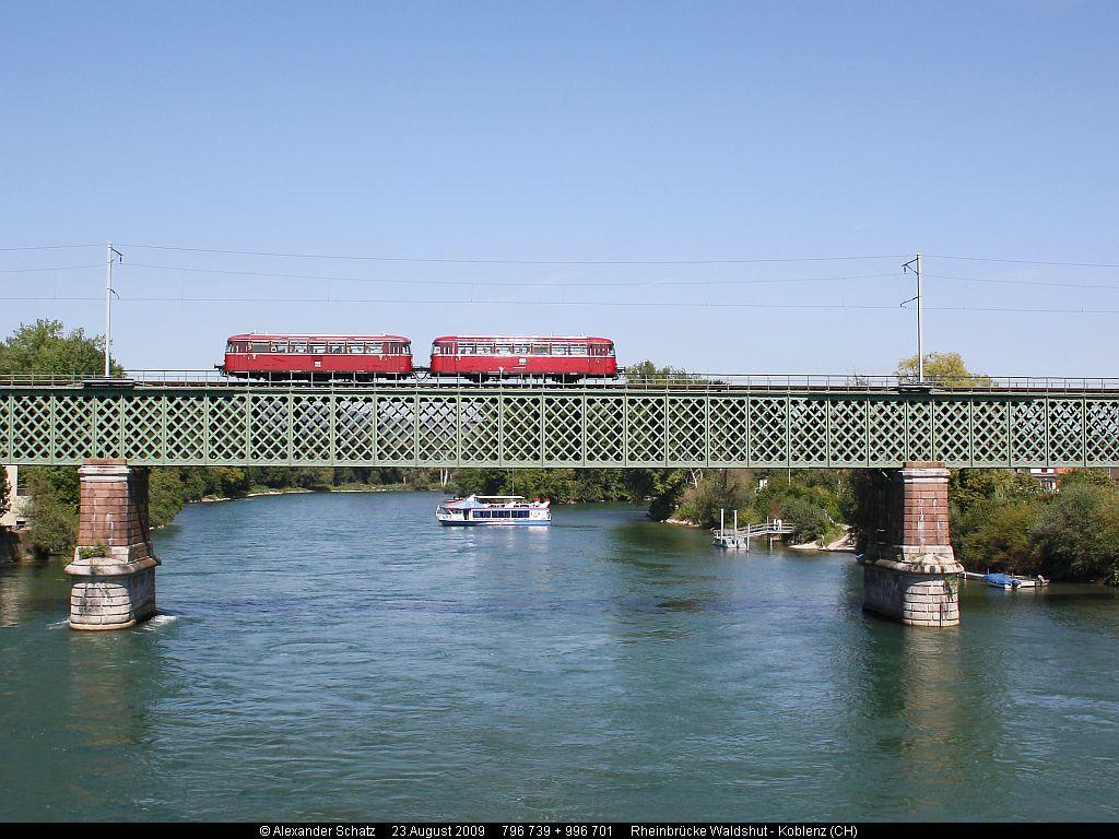 http://www.ulmereisenbahnen.de/fotos/796-739_2009-08-23_Rheinbruecke2_copyright.jpg